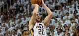 Gordon Hayward leaves Game 4 due to food poisoning, does not return
