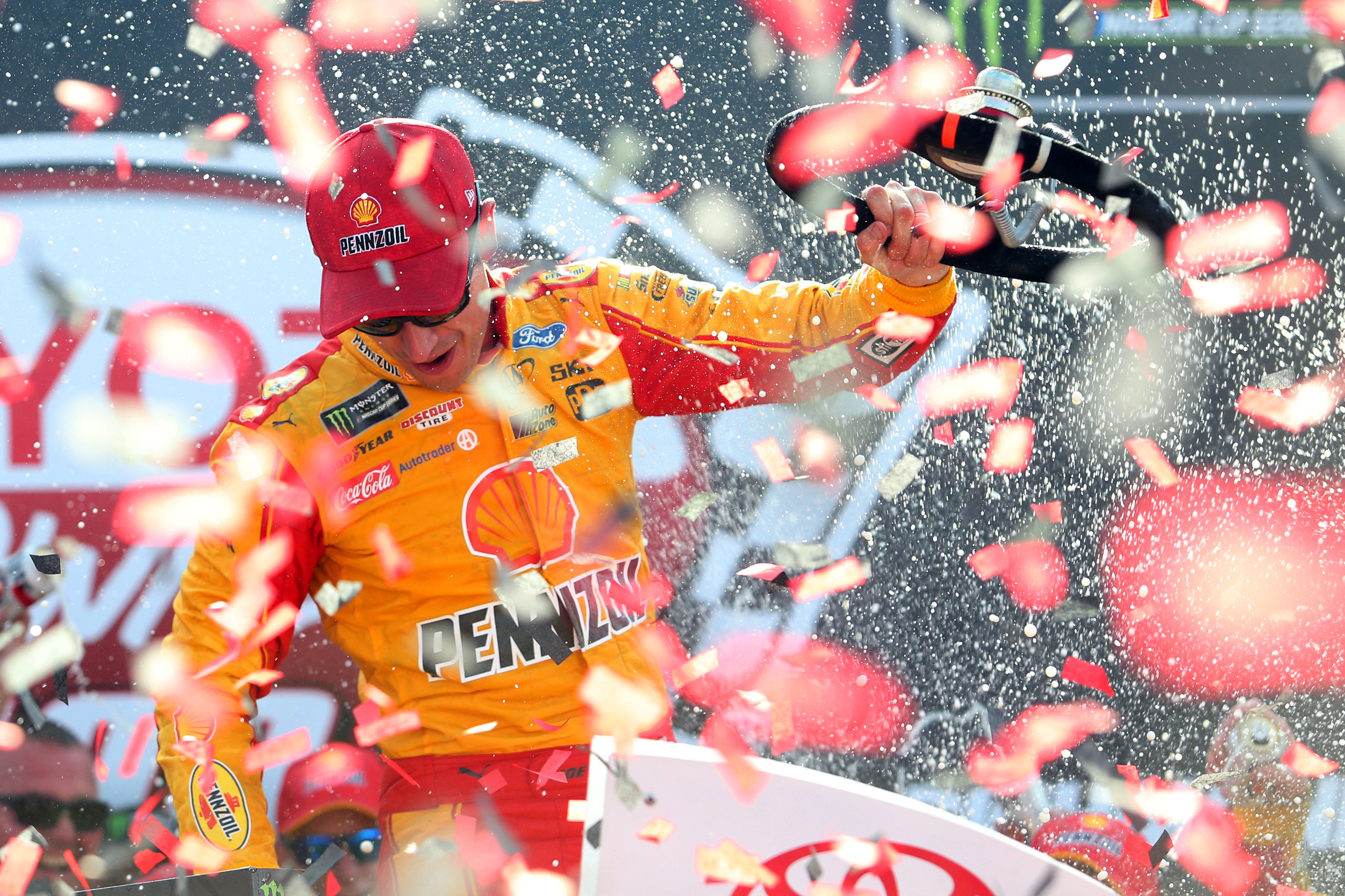 Joey Logano comes from the back to win at Richmond | FOX Sports