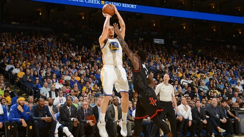 OAKLAND, CA - MARCH 31:  Klay Thompson #11 of the Golden State Warriors shoots the ball during a game against the Houston Rockets on March 31, 2017 at ORACLE Arena in Oakland, California. NOTE TO USER: User expressly acknowledges and agrees that, by downloading and/or using this photograph, user is consenting to the terms and conditions of Getty Images License Agreement. Mandatory Copyright Notice: Copyright 2017 NBAE (Photo by Noah Graham/NBAE via Getty Images)