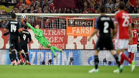 Manuel Neuer sure looks healthy