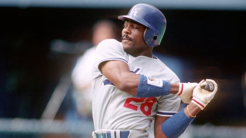 PITTSBURGH - 1987:  Outfielder Pedro Guerrero #28 of the Los Angeles Dodgers bats against the Pittsburgh Pirates at Three Rivers Stadium in 1987 in Pittsburgh, Pennsylvania. (Photo by George Gojkovich/Getty Images)