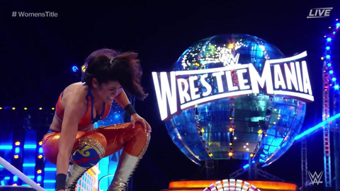 Bayley pinned Charlotte to retain her Raw Women's Championship
