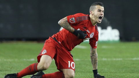 TORONTO, ONTARIO - DECEMBER 10:  Sebastian Giovinco #10 of the Toronto FC calls for a foul against the Seattle Sounders during the 2016 MLS Cup at BMO Field on December 10, 2016 in Toronto, Ontario, Canada. Seattle defeated Toronto in the 6th round of extra time penalty kicks. (Photo by Claus Andersen/Getty Images)