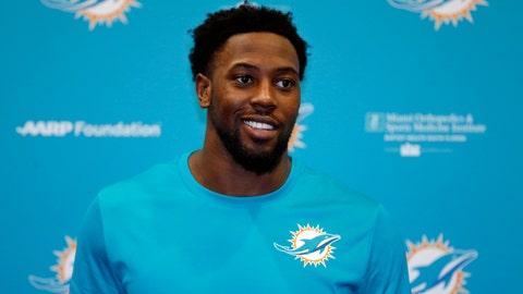 Miami Dolphins: DE Charles Harris