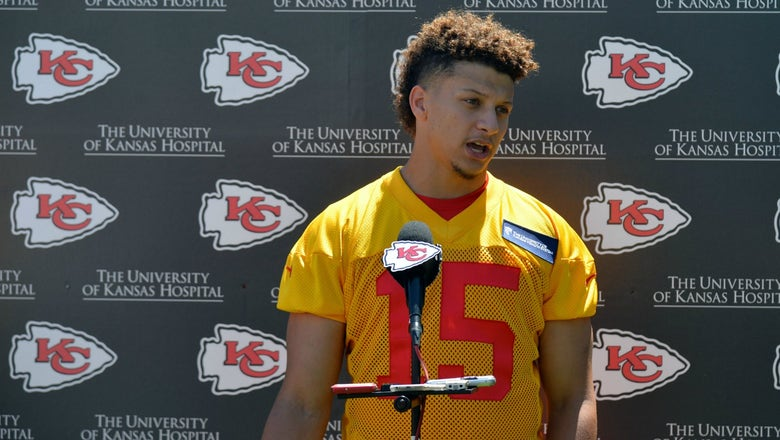 Chiefs sign first-rounder Mahomes to four-year contract