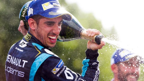 Sebastien Buemi celebrates his win at the Paris ePrix. (Photo: Alastair Staley/LAT/Formula E)