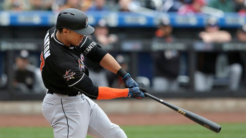 Miami Marlins' Giancarlo Stanton hits a three-run homer during the first inning of the baseball game against the New York Mets at Citi Field, Sunday, May 7, 2017, in New York. (AP Photo/Seth Wenig)