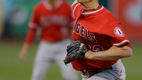 Los Angeles Angels pitcher Alex Meyer works against the Oakland Athletics in the first inning of a baseball game Tuesday, May 9, 2017, in Oakland, Calif. (AP Photo/Ben Margot)