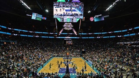 CHARLOTTE, USA - APRIL 8: Charlotte Hornets players in action against Boston Celtics at the NBA match between Boston Celtics vs Charlotte Hornets at the Spectrum arena in Charlotte, NC, United States on April 8, 2017. (Photo by Peter Zay/Anadolu Agency/Getty Images)