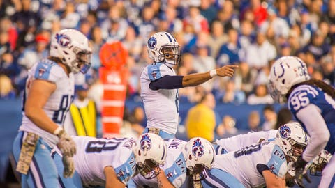 NFL players think Marcus Mariota is better than Andrew Luck