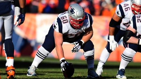 Dec 18, 2016; Denver, CO, USA; New England Patriots center David Andrews (60) in the first quarter against the Denver Broncos at Sports Authority Field. Mandatory Credit: Ron Chenoy-USA TODAY Sports