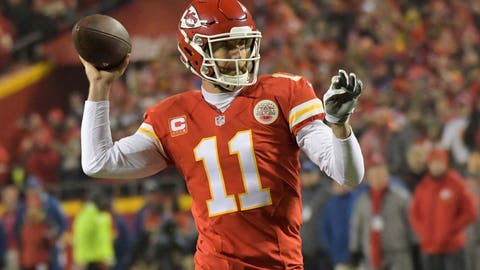 Jan 15, 2017; Kansas City, MO, USA; Kansas City Chiefs quarterback Alex Smith (11) looks to pass during the first quarter against the Pittsburgh Steelers in the AFC Divisional playoff game at Arrowhead Stadium. Mandatory Credit: Kirby Lee-USA TODAY Sports
