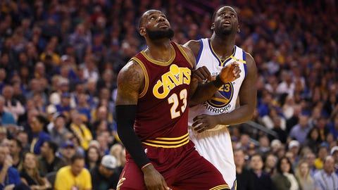 OAKLAND, CA - JANUARY 16:  LeBron James #23 of the Cleveland Cavaliers blocks out Draymond Green #23 of the Golden State Warriors at ORACLE Arena on January 16, 2017 in Oakland, California. NOTE TO USER: User expressly acknowledges and agrees that, by downloading and or using this photograph, User is consenting to the terms and conditions of the Getty Images License Agreement.  (Photo by Ezra Shaw/Getty Images)