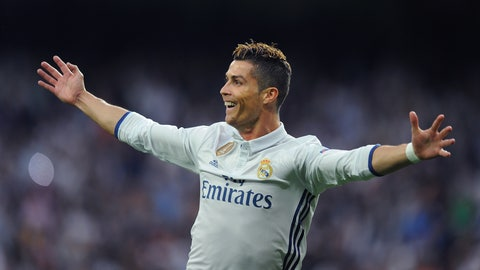 Cristiano Ronaldo - 7