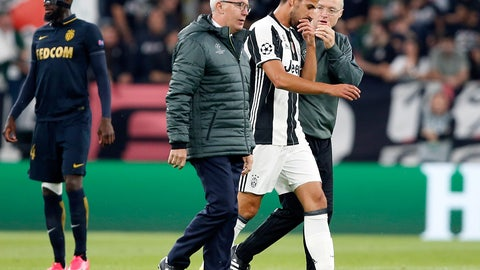 Tough scenes for Sami Khedira