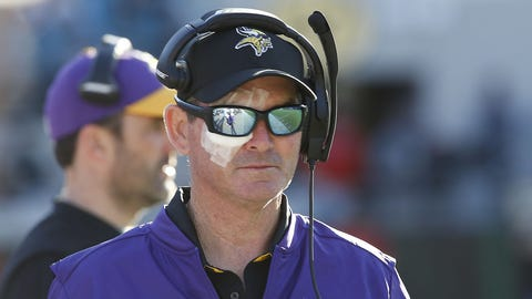 Keep your eyes on Mike Zimmer's ... eye