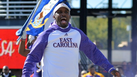 GREENVILLE, NC - NOVEMBER 12: East Carolina Pirates head coach Scottie Montgomery fires up the crowd before an NCAA football game between the East Carolina Pirates and SMU Mustangs on November 12, 2016 at Dowdy-Ficklen Stadium in Greenville, NC. SMU defeated East Carolina 55-31. (Photo by Greg Thompson/Icon Sportswire) (Icon Sportswire via AP Images)