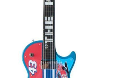 Lot 98, Richard Petty Gibson Les Paul Guitar