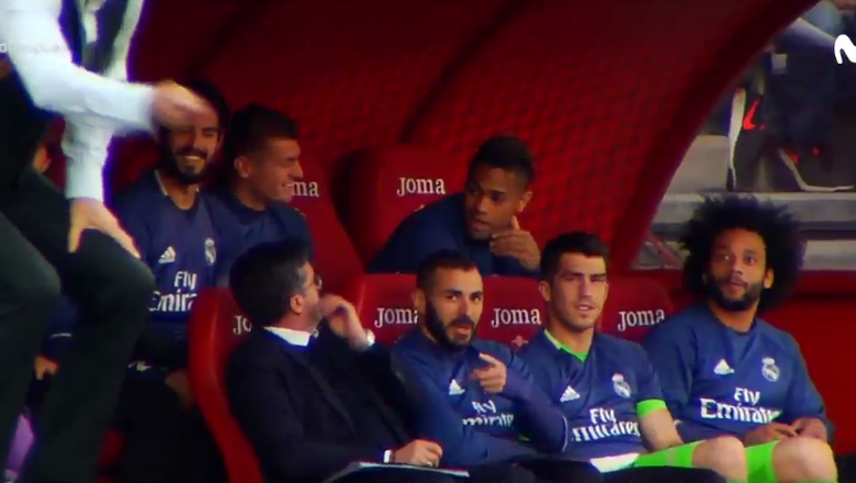 Watch Real Madrid players roast the Granada manager for dressing like a waiter