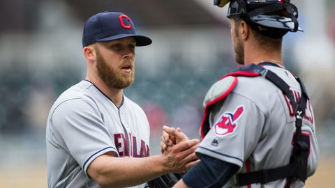 Cleveland Indians (14-10)