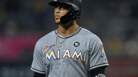 Miami Marlins (11-12)
