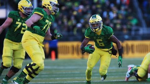 Denver Broncos: Cameron Hunt, OL, Oregon