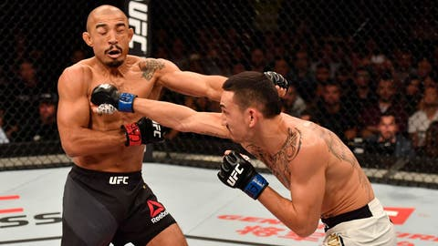 Max Holloway defeats Jose Aldo via third-round TKO