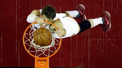 The Warriors should have lost automatically when Kyle Korver dunked