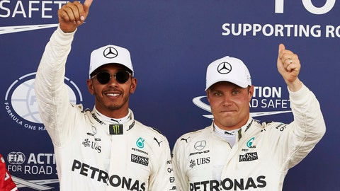 (From left) Lewis Hamilton will start in front of Valtteri Bottas for Sunday's F1 race. (Photo: Steve Etherington/LAT Images)