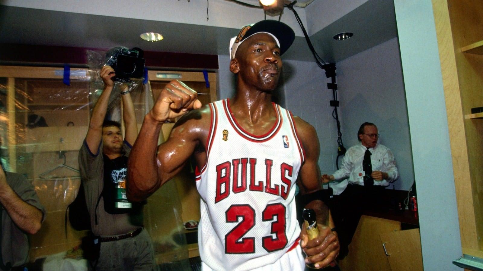 Undisputed': Would the 2017 Warriors beat Michael Jordan's
