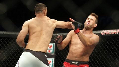 Dominick Reyes defeats Joachim Christensen by first-round TKO