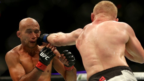Dennis Siver defeats BJ Penn by majority decision