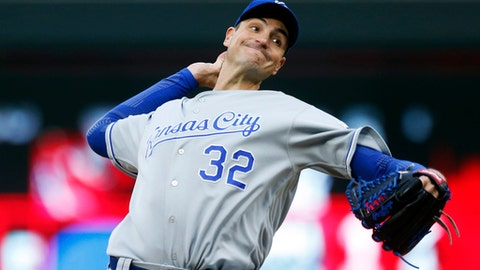 Kansas City Royals relief pitcher Chris Young throws against the Minnesota Twins in the fourth inning during the second game of a baseball doubleheader Sunday, May 21, 2017 in Minneapolis. (AP Photo/Jim Mone)