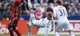 Techera helps Whitecaps salvage 1-1 draw with FC Dallas (Jun 17, 2017)