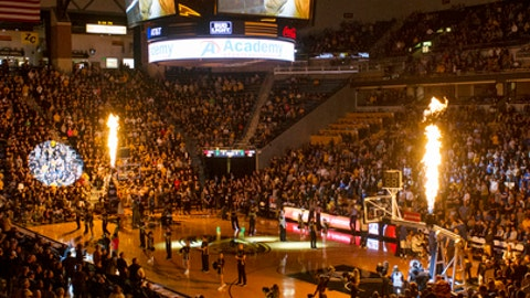 Missouri fans applaud at Mizzou Arena during player introductions prior to the start of an NCAA college basketball game against Kentucky Tuesday, Feb. 21, 2017, in Columbia, Mo. (AP Photo/L.G. Patterson)