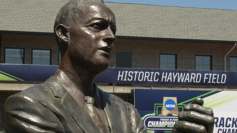 General overall view of statue of former Oregon Ducks coach Bill Bowerman during a press conference prior to the NCAA Track and Field championships at Hayward Field in Eugene, Ore. on Tuesday, June 6, 2017. (Kirby Lee via AP Images)