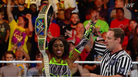 Naomi defeated Lana by submission to retain the SmackDown Women's Championship