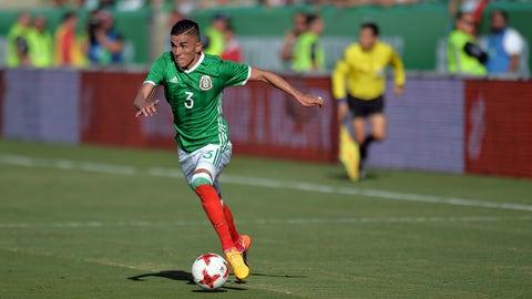 LB: Luis Ricardo Reyes