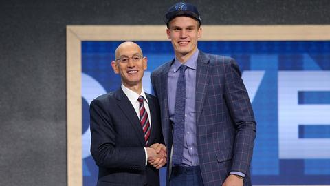 Lauri Markkanen | Minnesota Timberwolves | College: Arizona