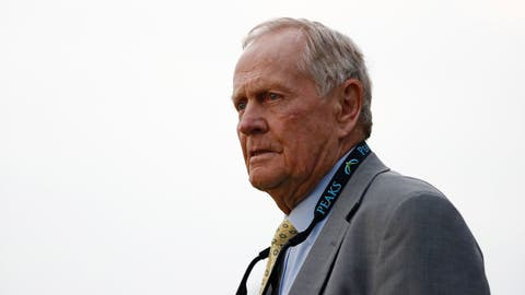 DUBLIN, OH - JUNE 04: Jack Nicklaus watches the action on the 18th hole during the final round of the Memorial Tournament at Muirfield Village Go