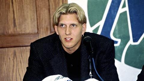 Milwaukee Bucks: Trading Dirk Nowitzki (1998, Pick No. 9)