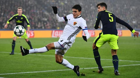 Basel: Mohamed Elyounoussi