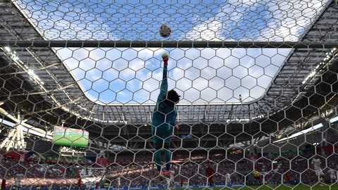 Memo Ochoa is making his claim to be Mexico's No. 1
