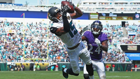 JACKSONVILLE, FL - SEPTEMBER 25:   Allen Robinson #15 of the Jacksonville Jaguars catches a touchdown pass in front of  Kyle Arrington #24 of the Baltimore Ravens at EverBank Field on September 25, 2016 in Jacksonville, Florida.  (Photo by Maddie Meyer/Getty Images)