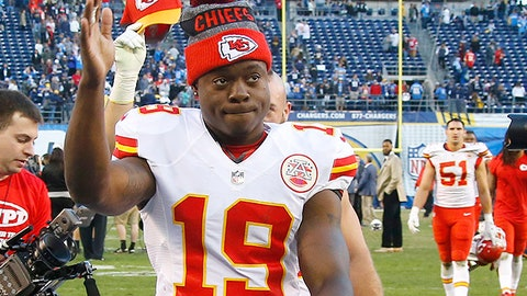 Kansas City Chiefs wide receiver Jeremy Maclin (19) waves to fans as he leaves the field after an NFL game against the San Diego Chargers on Sunday, January 1, 2017.  The Chiefs defeated the Chargers 37-27. (Kevin Terrell via AP)