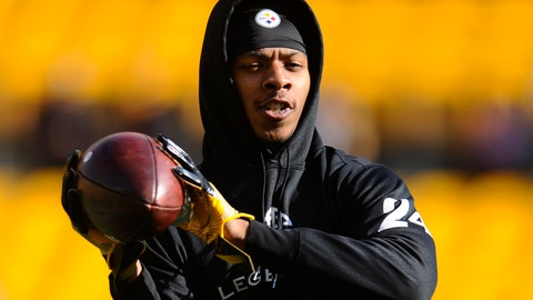 PITTSBURGH, PA - JANUARY 1, 2017: Cornerback Justin Gilbert #24 of the Pittsburgh Steelers catches a pass prior to a game against the Cleveland Browns on January 1, 2017 at Heinz Field in Pittsburgh, Pennsylvania. Pittsburgh won 27-24 in overtime. (Photo by: Nick Cammett/Diamond Images/Getty Images)