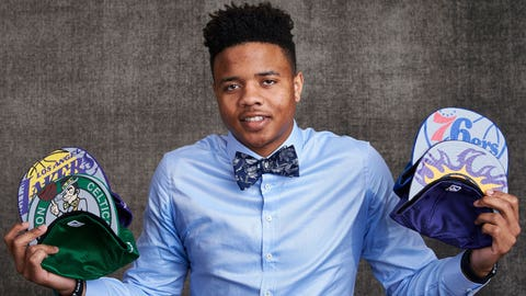 NEW YORK, NEW YORK - MAY 16: Draft prospect Markelle Fultz poses poses with draft caps for portraits prior to the 2017 NBA Draft Lottery at the NBA Headquarters in New York, New York. NOTE TO USER: User expressly acknowledges and agrees that, by downloading and or using this Photograph, user is consenting to the terms and conditions of the Getty Images License Agreement.  Mandatory Copyright Notice: Copyright 2017 NBAE (Photo by Jennifer Pottheiser/NBAE via Getty Images)