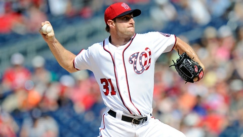 WASHINGTON, DC - JUNE 11: Max Scherzer #31 of the Washington Nationals pitches in the first inning against the Texas Rangers at Nationals Park on June 11, 2017 in Washington, DC.  (Photo by Greg Fiume/Getty Images)