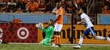MLS Roundup: Toronto tops New England, Texas teams tie