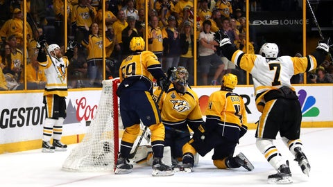 NASHVILLE, TN - JUNE 11:  Patric Hornqvist #72 of the Pittsburgh Penguins celebrates after scoring against Pekka Rinne #35 of the Nashville Predators  during the third period in Game Six of the 2017 NHL Stanley Cup Final at the Bridgestone Arena on June 11, 2017 in Nashville, Tennessee.  (Photo by Frederick Breedon/Getty Images)